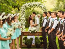 mariage extérieur demoiselles d'honneur garçons d'honneur
